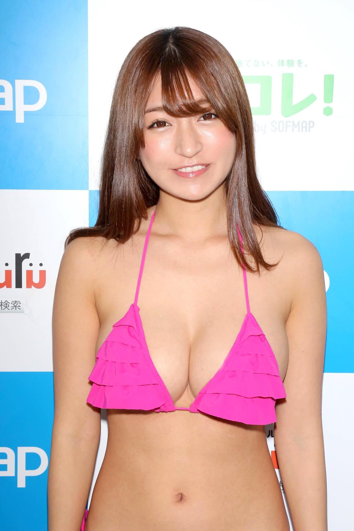 ☆HOSHINO「シャツがどんどん透けちゃう」エプロンはほぼ裸!【写真35枚】の画像009