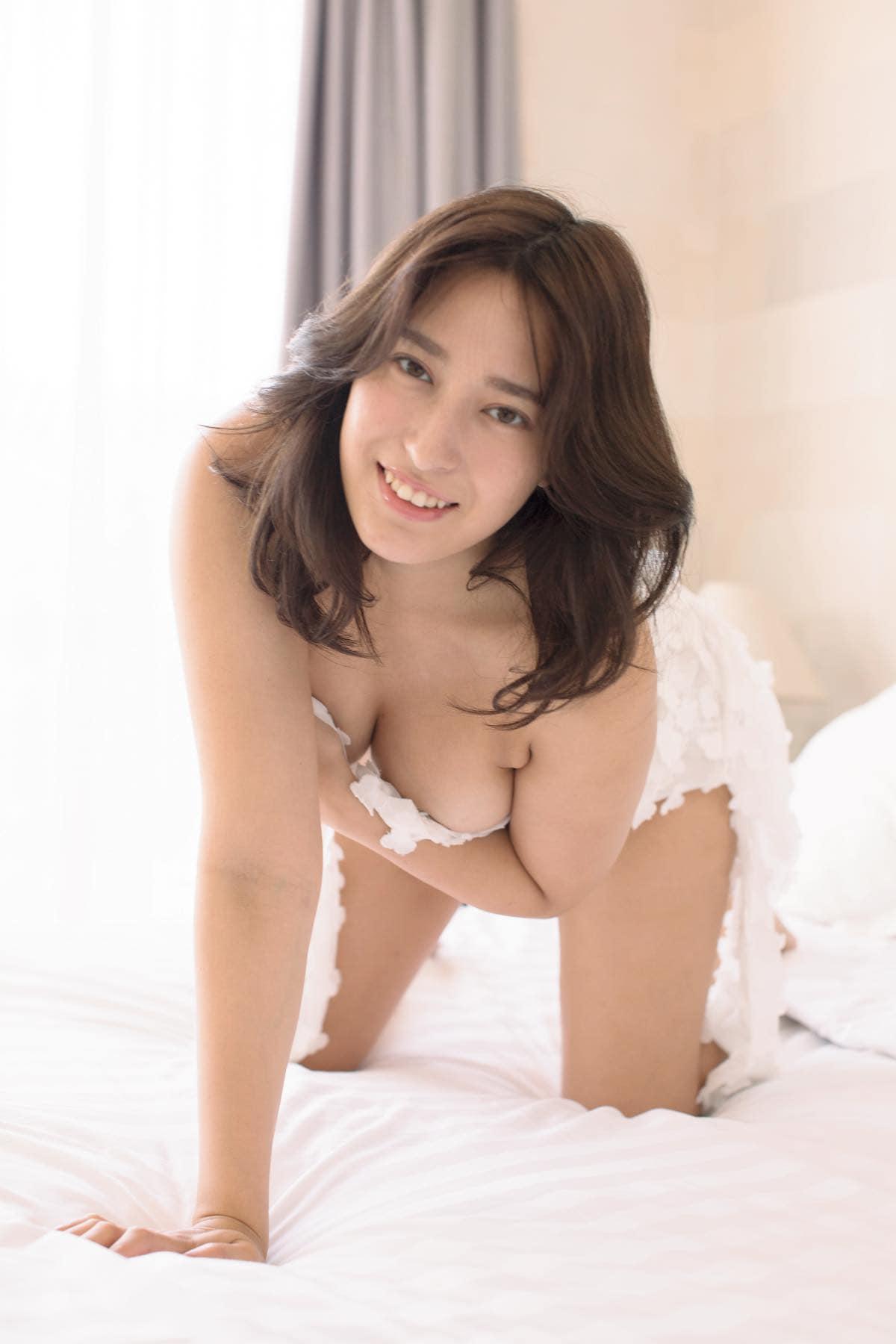 平田梨奈のグラビア水着ビキニ画像9