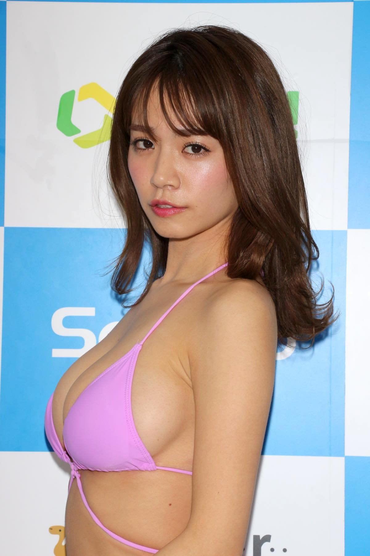 菜乃花のグラビア水着ビキニ画像09