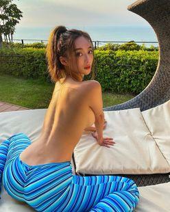 濱野りれ「迫力の美尻!」テラスでのセクシーすぎるお昼寝を披露の画像