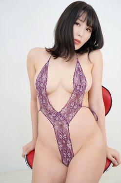 金子智美「全身エチエチな四変化!」ハイレグから網タイツ姿まですべてを晒す【画像4枚】の画像
