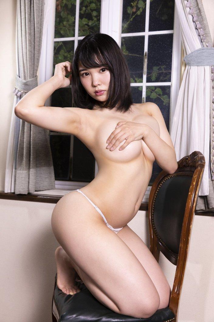 佐々野愛美「18歳の現役女子高生でGカップ!」くびれも美尻も兼ね備えた童顔巨乳グラドル【画像5枚】の画像
