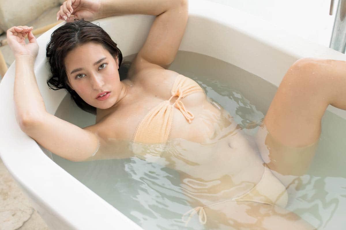 平田梨奈のグラビア水着ビキニ画像13