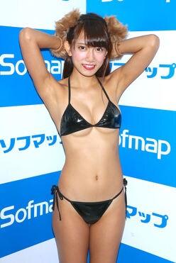 IDO☆HOLIC石原由希が最新DVDで「泡ブラ」に挑戦!の画像
