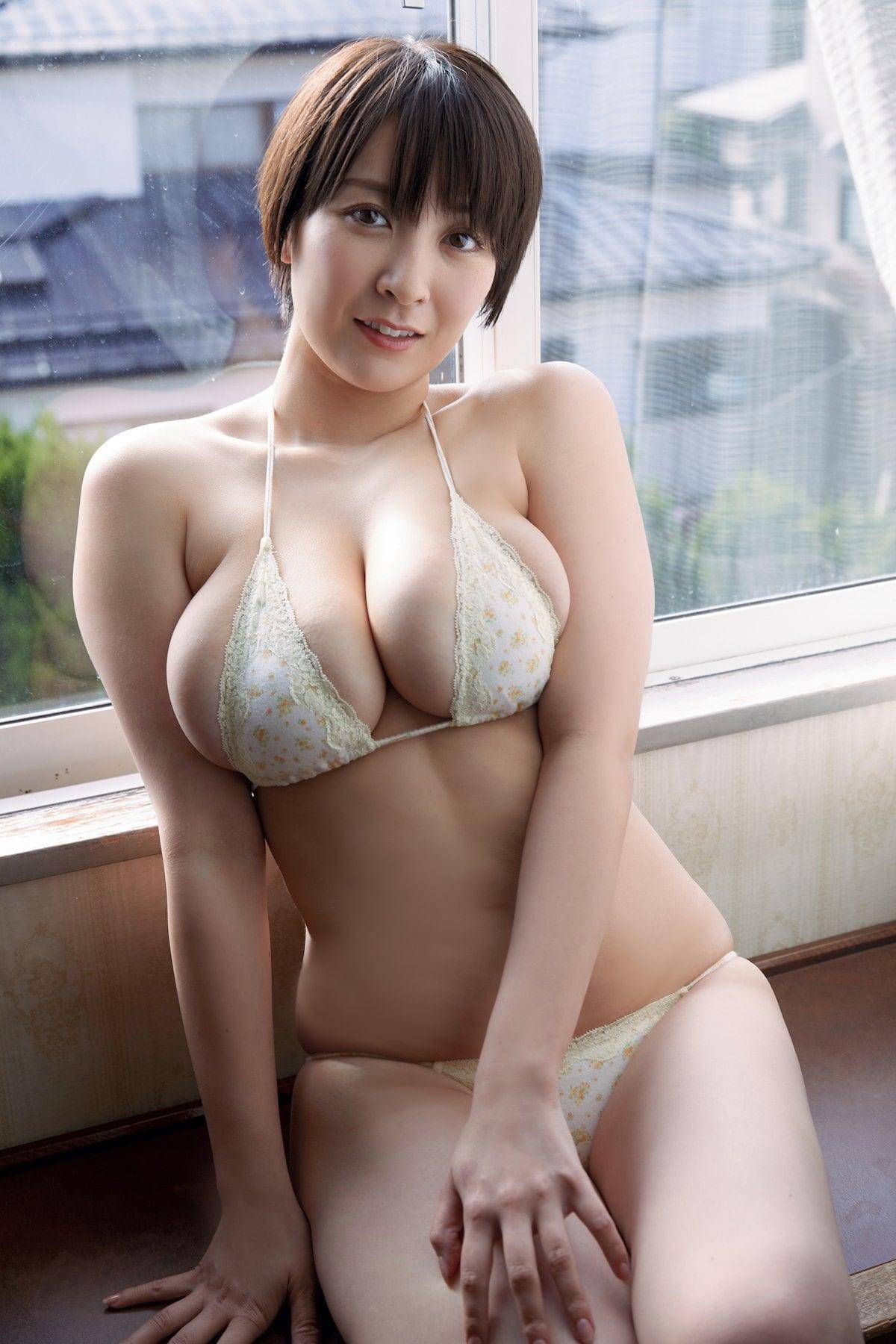 紺野栞「むちむちボディ」飛び出しそうな3Dバストをお届け!【画像10枚】の画像002