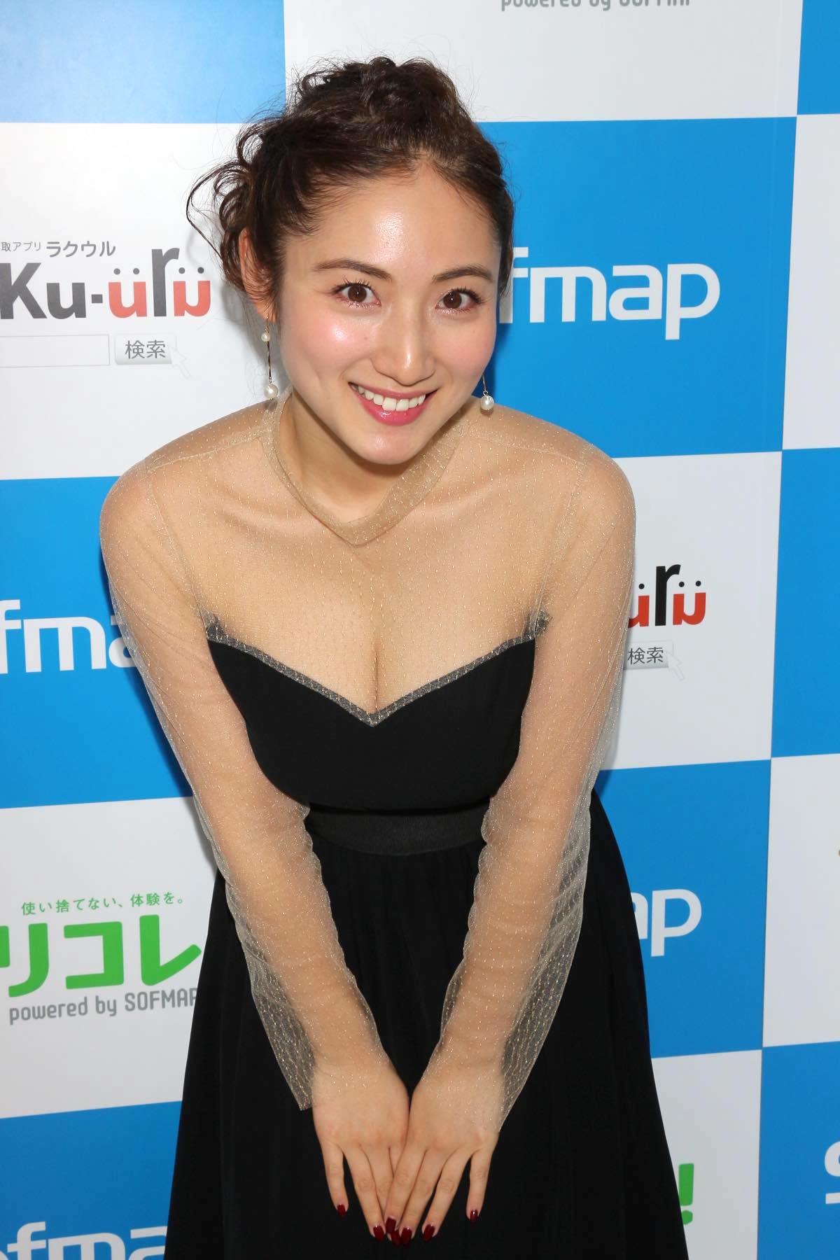 紗綾のグラビア水着ビキニ画像0022