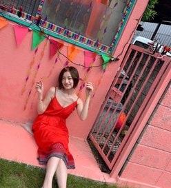 乃木坂46中田花奈「セクシーなワンピで美バストちらり」何を着ても似合いすぎ!の画像