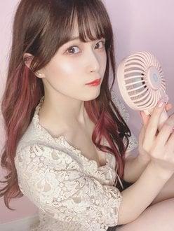 AKB48田北香世子「あざとく?谷間チラ」ハンディ扇風機が涼しそう【写真4枚】の画像