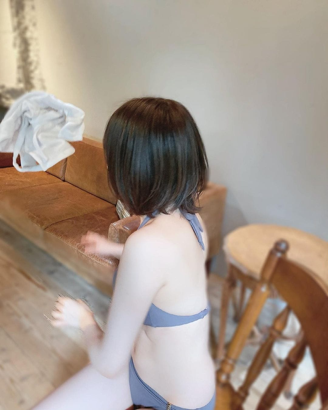 NMB48水田詩織「ビキニスタイルで美バストちらり」雑誌撮影のオフショットにファン歓喜【画像3枚】の画像003