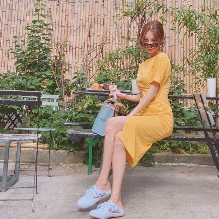 少女時代ソヒョン「美脚チラ見せ」写真が美しすぎる!の画像