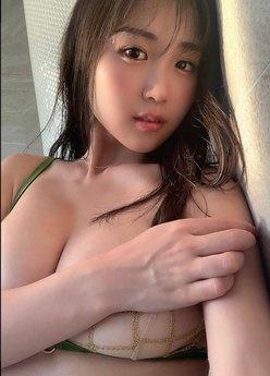 サイバー軍団HARUKA「もっちり下乳が丸見え」網ブラからこぼれそう…!の画像