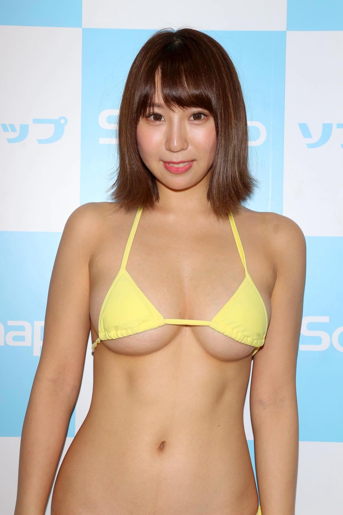 日向葵衣のグラビア水着ビキニ画像011