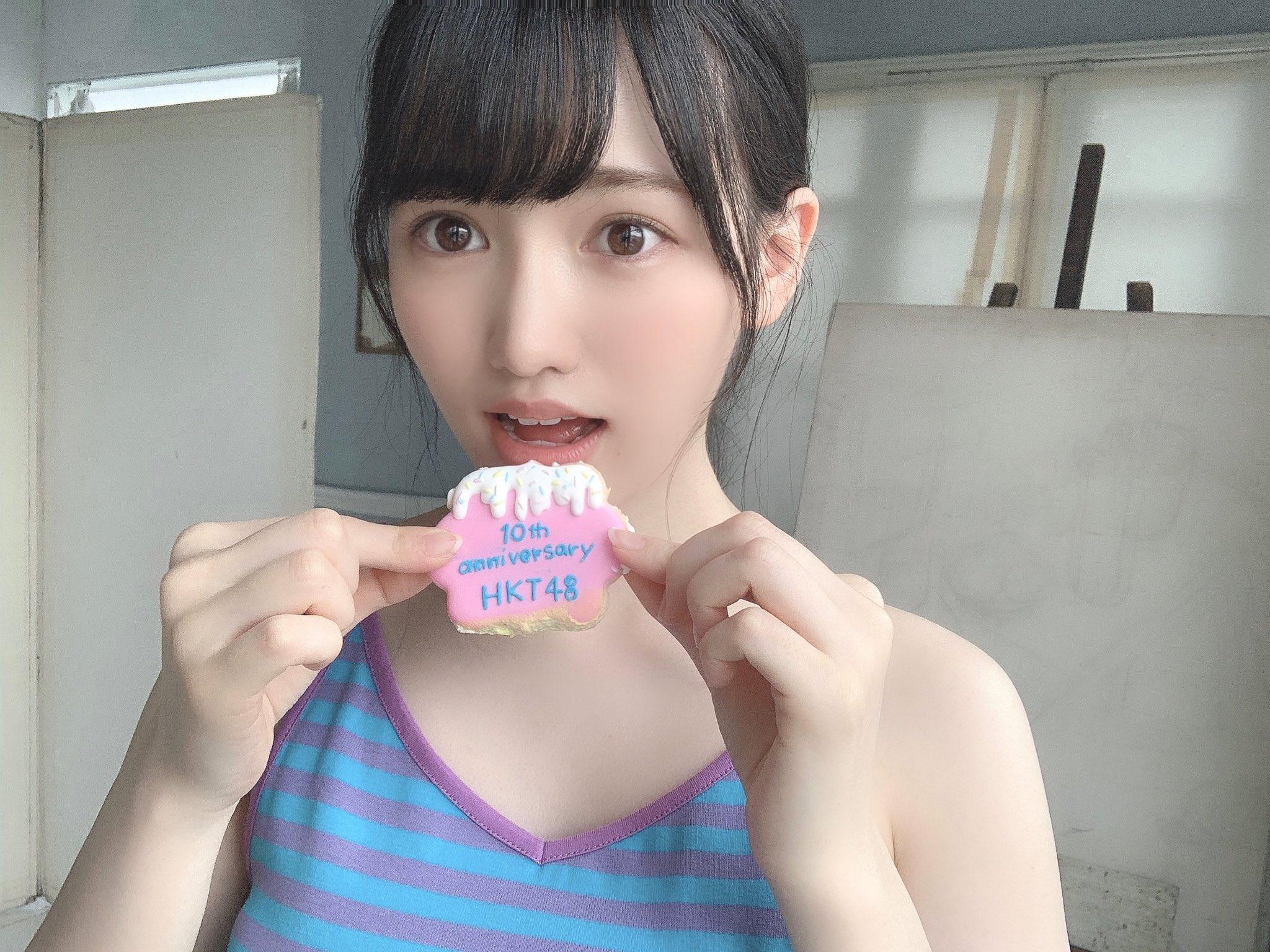 HKT48運上弘菜「美デコルテがセクシー!」『漫画アクション』撮影オフショット披露にファン歓喜【画像2枚】の画像001
