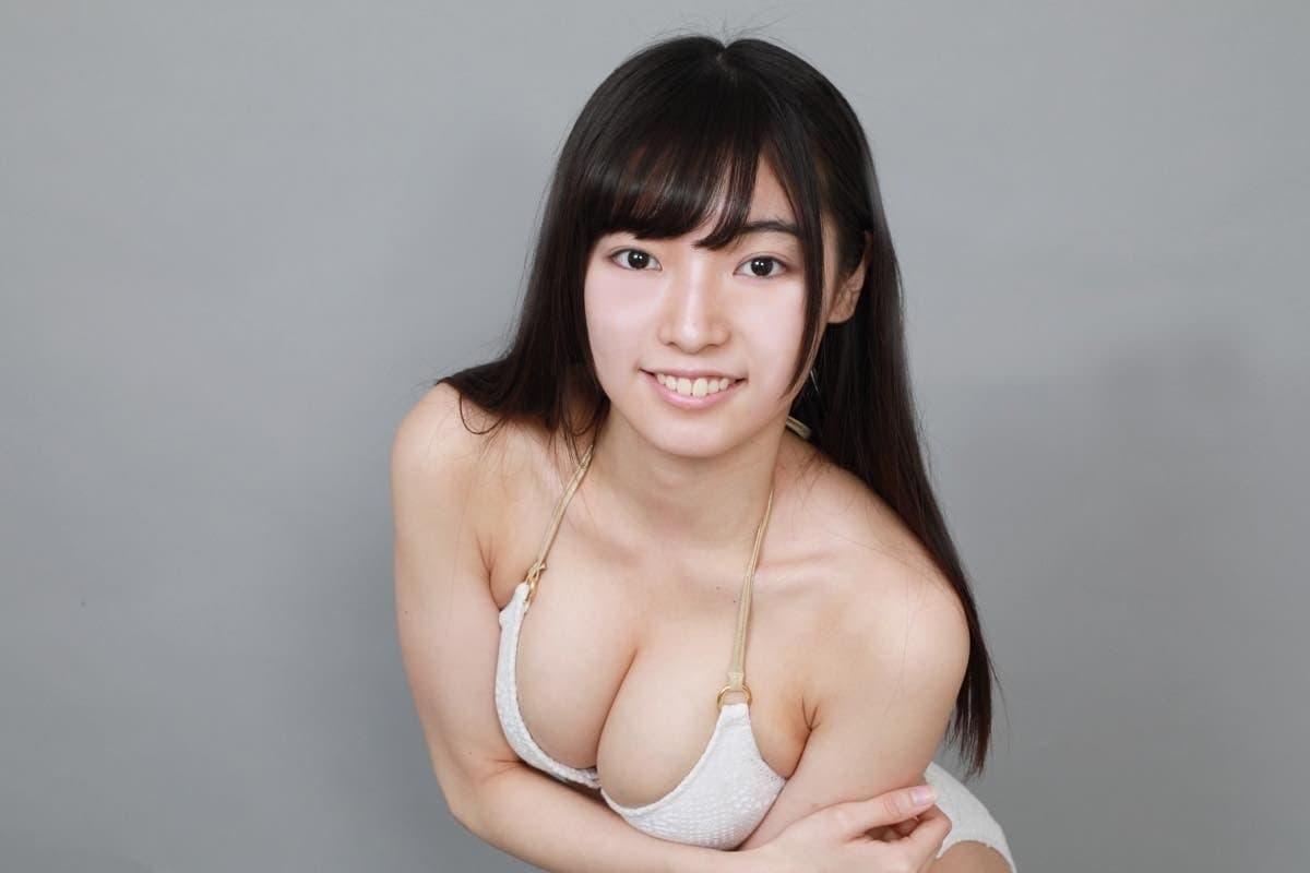 桜田愛音のグラビア水着ビキニ画像0025