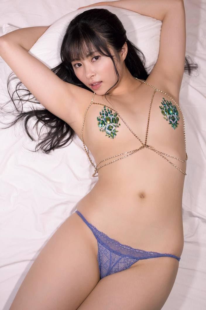 佐藤望美「きわどい水着」アイドルユニットメンバーを限界接写【画像11枚】の画像