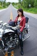 平嶋夏海、ド迫力の「重量感ヒップ」に急接近したい!【写真9枚】の画像003