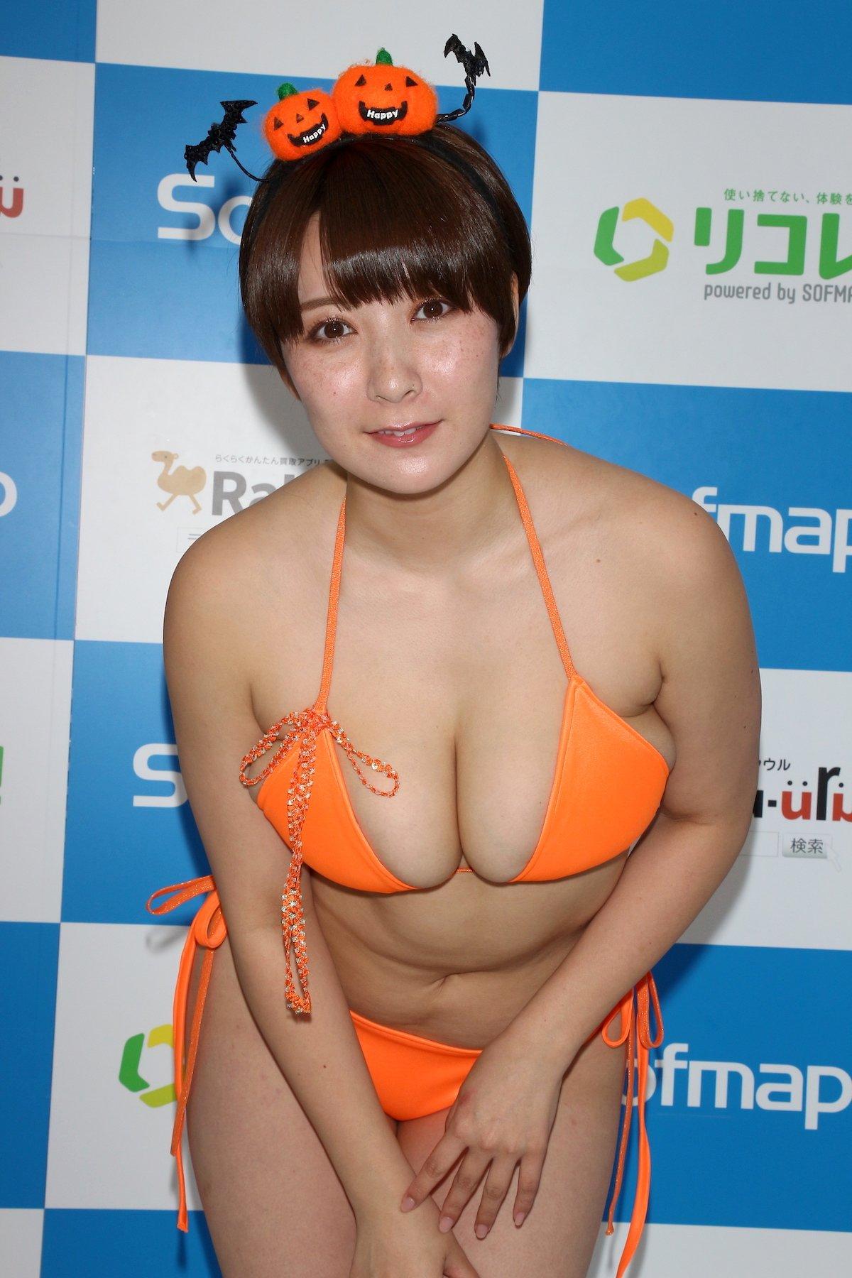 紺野栞「SM嬢に初挑戦」ムチを覚えて感動しました【画像49枚】の画像030
