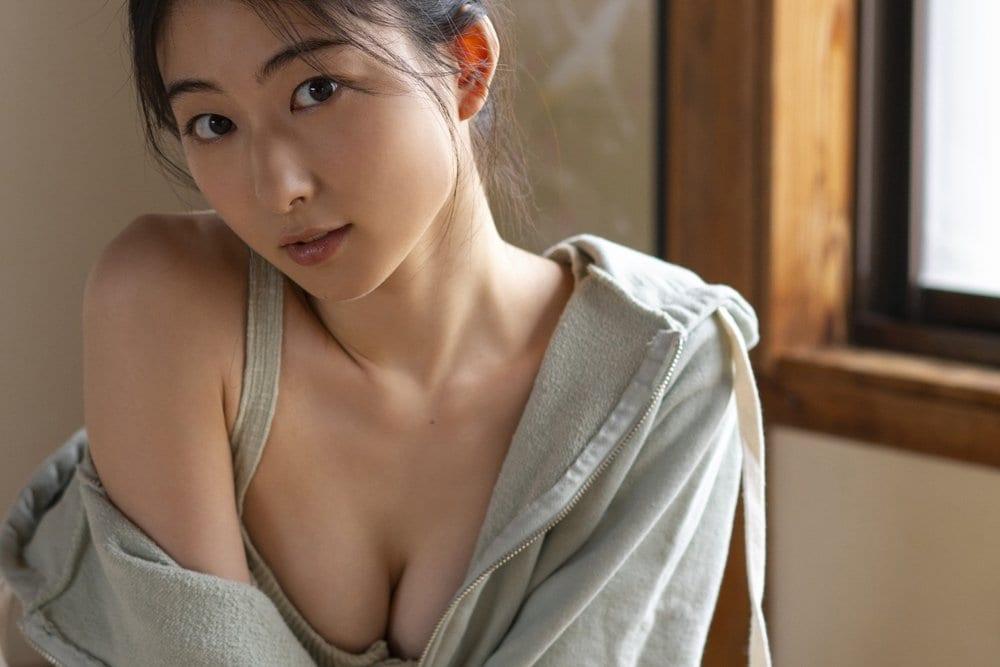 『べしゃり暮らし』出演の女優・川村海乃、人生初のビキニ姿をお披露目!【写真4枚】の画像002