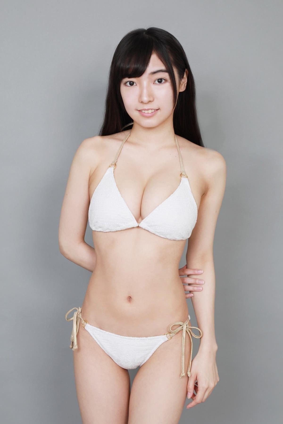 桜田愛音のグラビア水着ビキニ画像0037