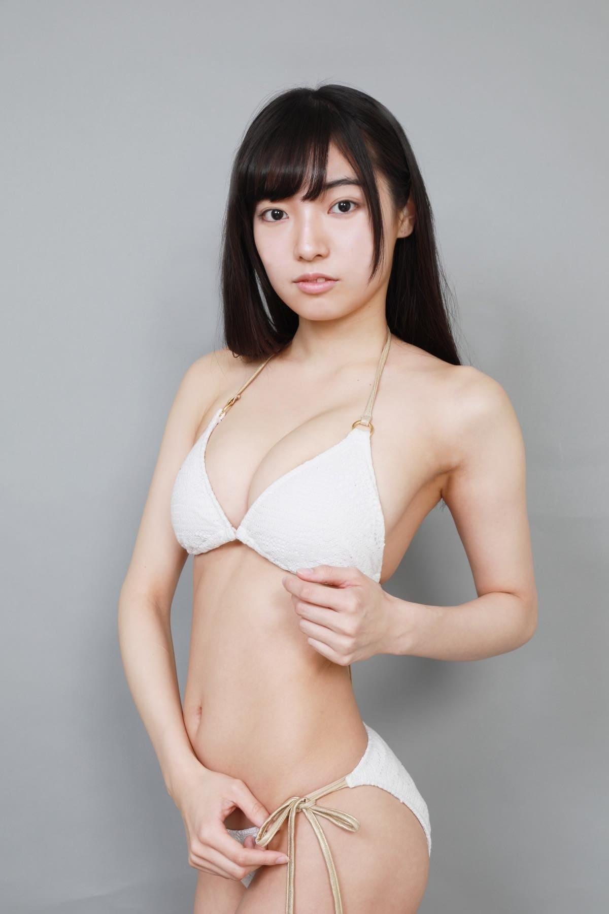 桜田愛音のグラビア水着ビキニ画像0020