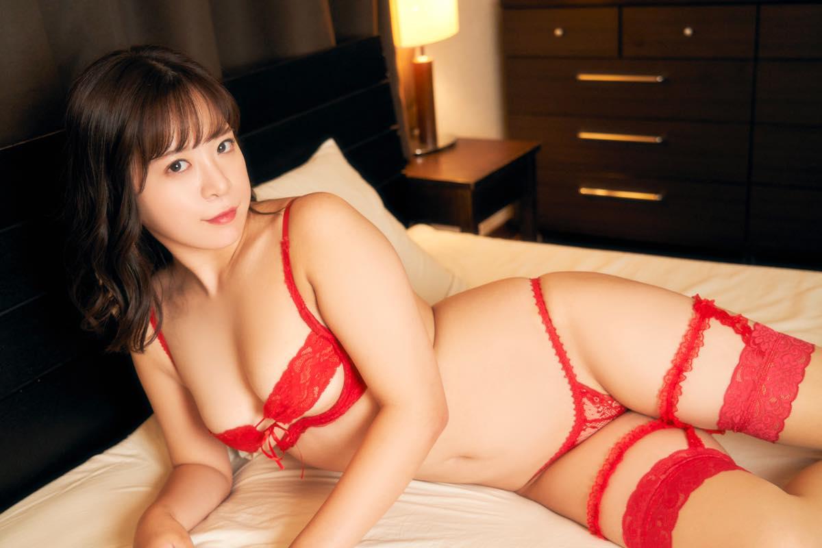 松田つかさのグラビア水着ビキニ画像12
