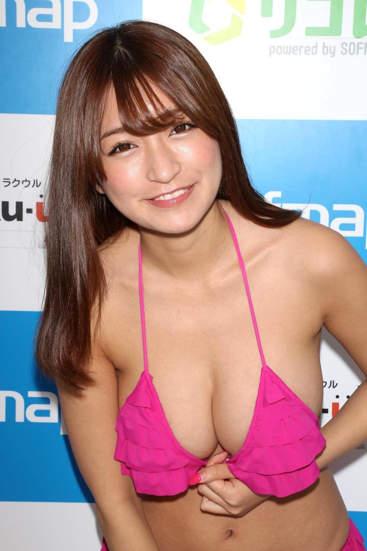 ☆HOSHINO「シャツがどんどん透けちゃう」エプロンはほぼ裸!【写真35枚】の画像020