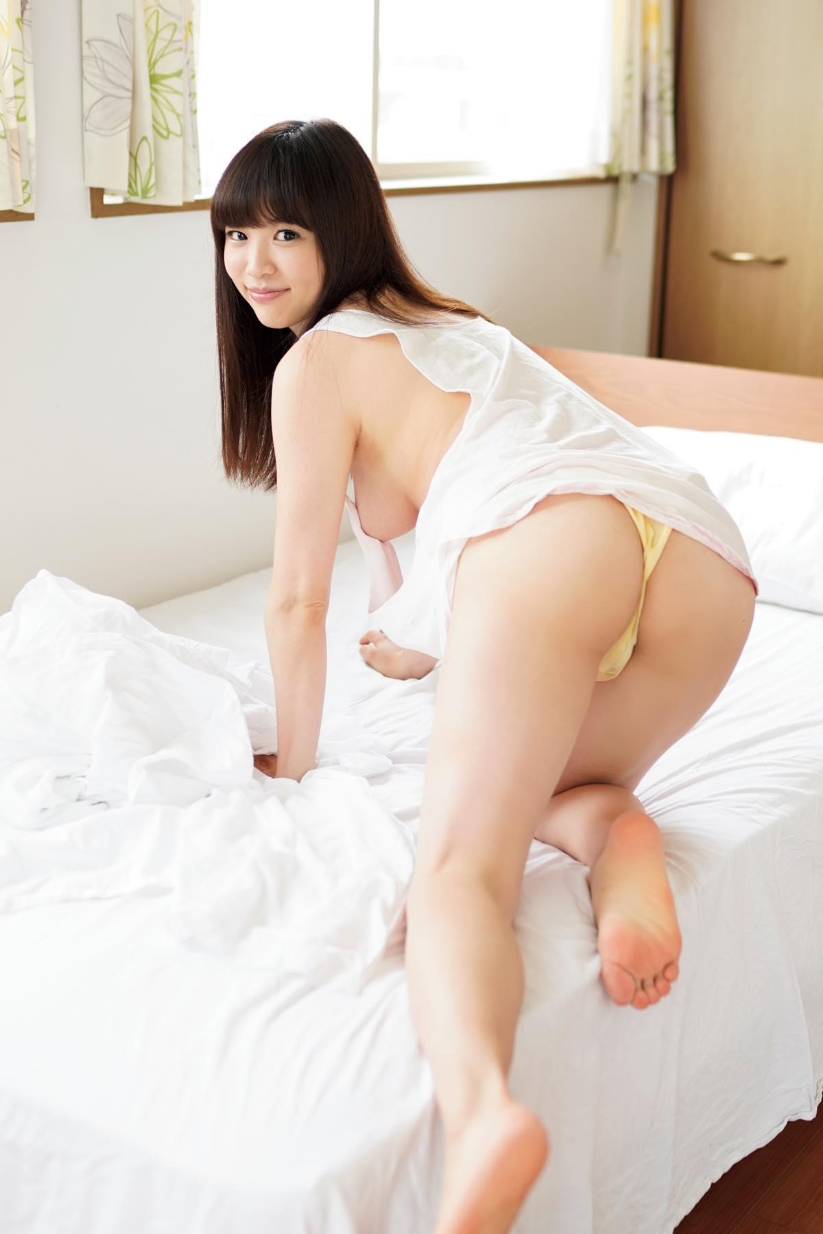 鈴原りこ「お、お尻が……」衝撃の大胆露出!【写真12枚】の画像002
