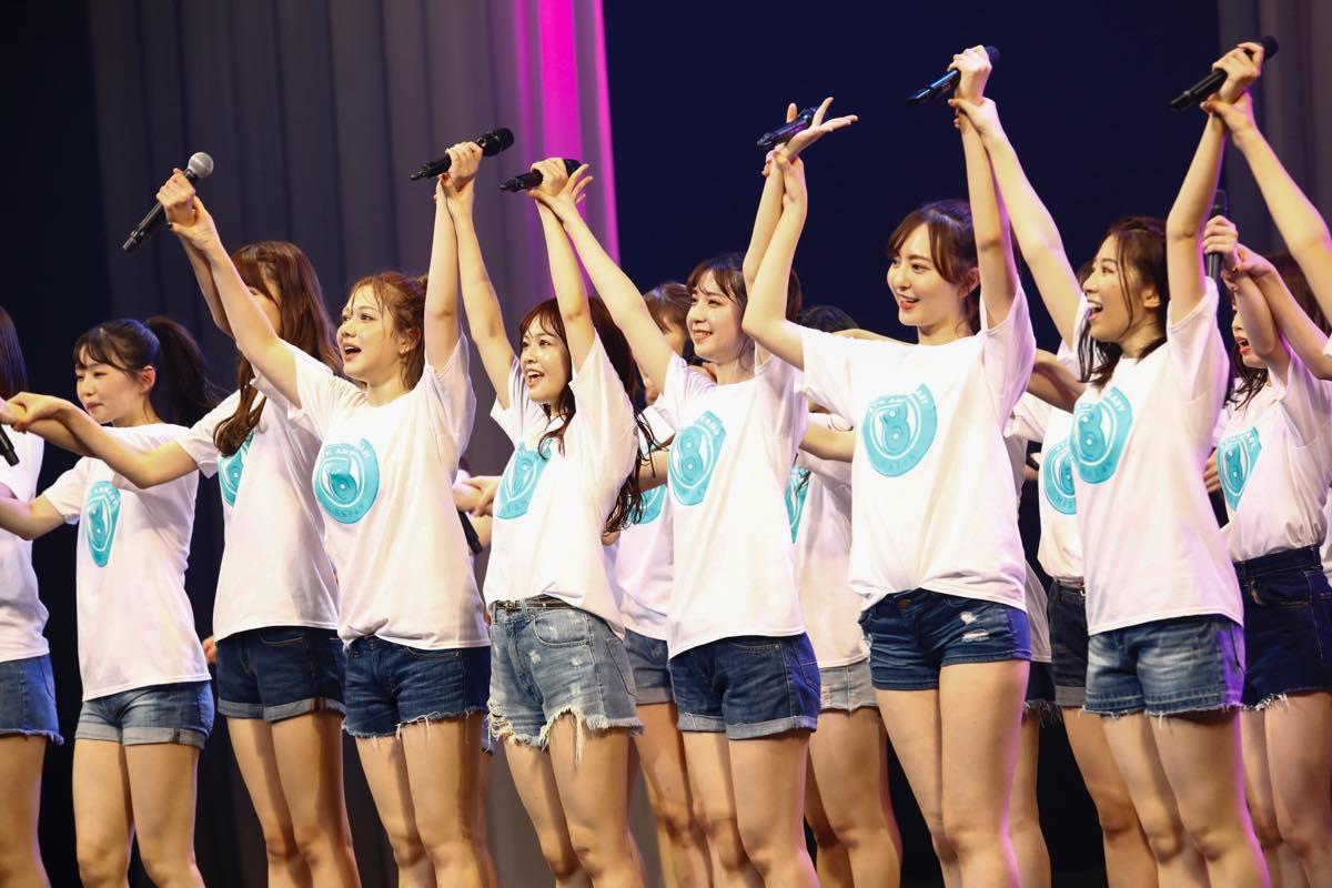 HKT48が8周年前夜祭コンサート「8周年だよ!HKT48の令和に昭和な歌合戦~みんなで笑おう八っ八っ八っ八っ八っ八っ八っ八っ(笑)~」を開催!の画像002