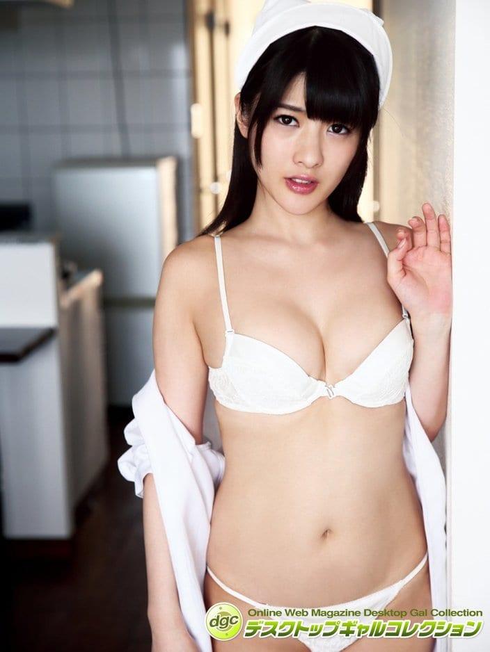 上矢えり奈「人間陶器の異名も持つスベ肌女子」仮面女子から生まれた神乳Gカップアイドルの画像
