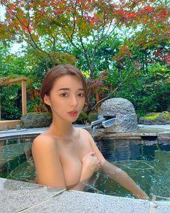 濱野りれ「しっぽり露天風呂…」セクシーすぎる温泉撮影のオフショットを公開の画像