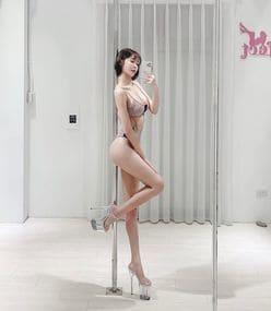シャオ・シュエ「美スタイル際立つレオタード姿」これぞパーフェクト・ボディと呼ぶに相応しい…の画像