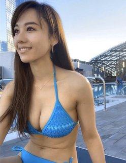 谷村奈南「脱いでもすごいGカップ歌姫」は今やセクシーすぎる女社長に!の画像