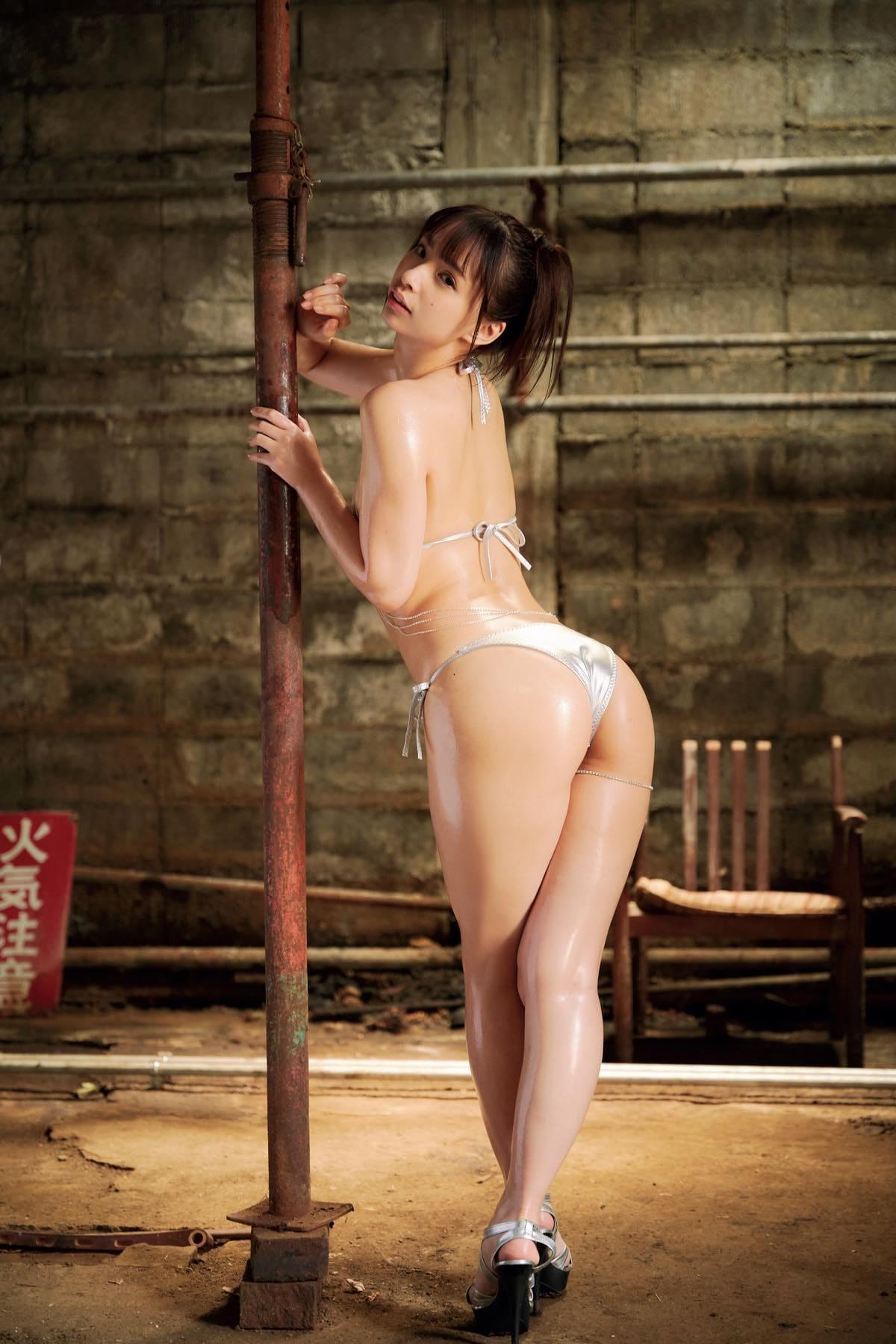 鶴巻星奈「えっちなお尻が魅力」くびれのカーブも絶品!【画像12枚】の画像007