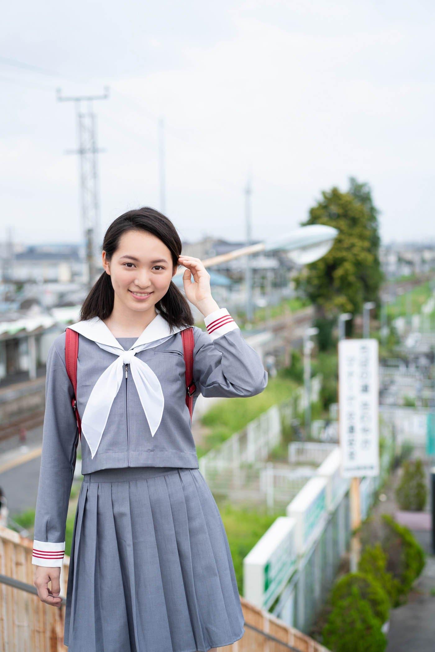 岡本桃花「清楚な制服姿」がまぶしい期待の新人!【写真5枚】の画像002