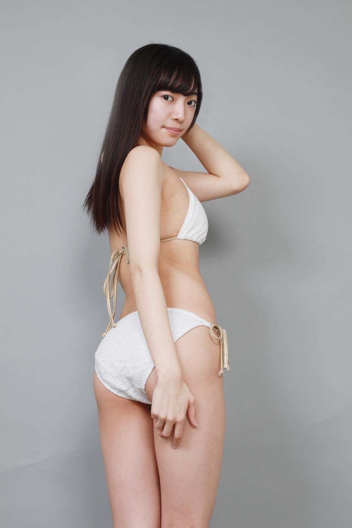 桜田愛音のグラビア水着ビキニ画像0009