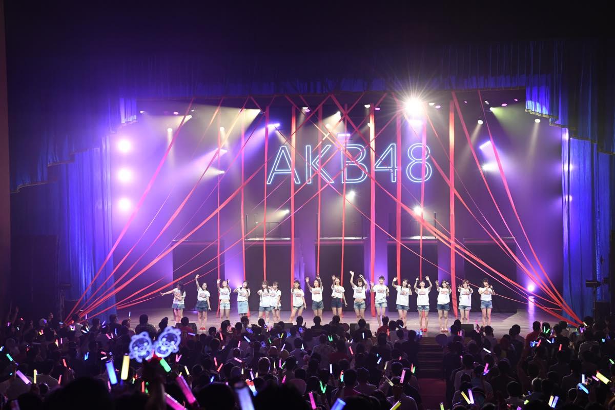 AKB48追加公演で「台風15号被災者への募金」を呼びかける【写真12枚】の画像005