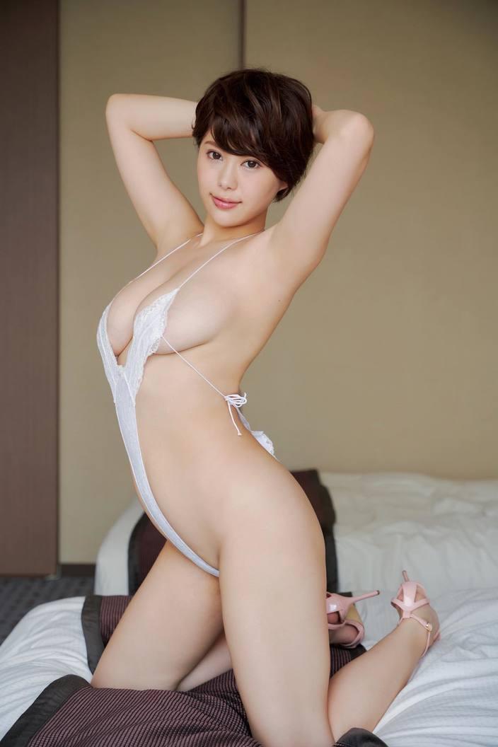 山本ゆう「雨宿りしたくなる最強下乳!」Hカップのロケット美乳を誇るショートカット美女【画像5枚】の画像004