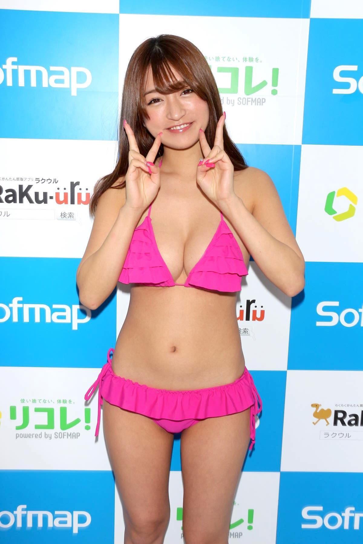 ☆HOSHINO「シャツがどんどん透けちゃう」エプロンはほぼ裸!【写真35枚】の画像014