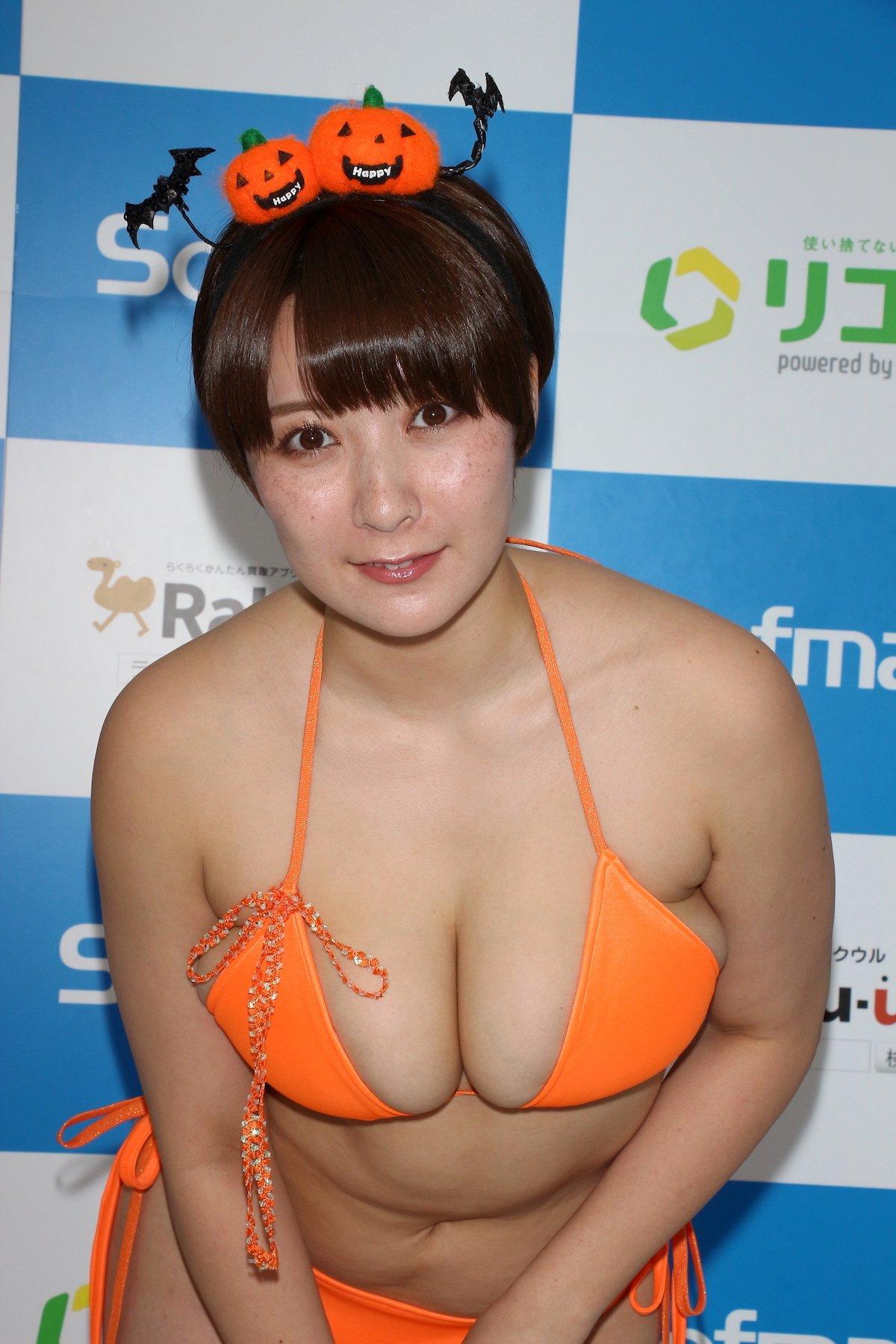 紺野栞「SM嬢に初挑戦」ムチを覚えて感動しました【画像49枚】の画像031