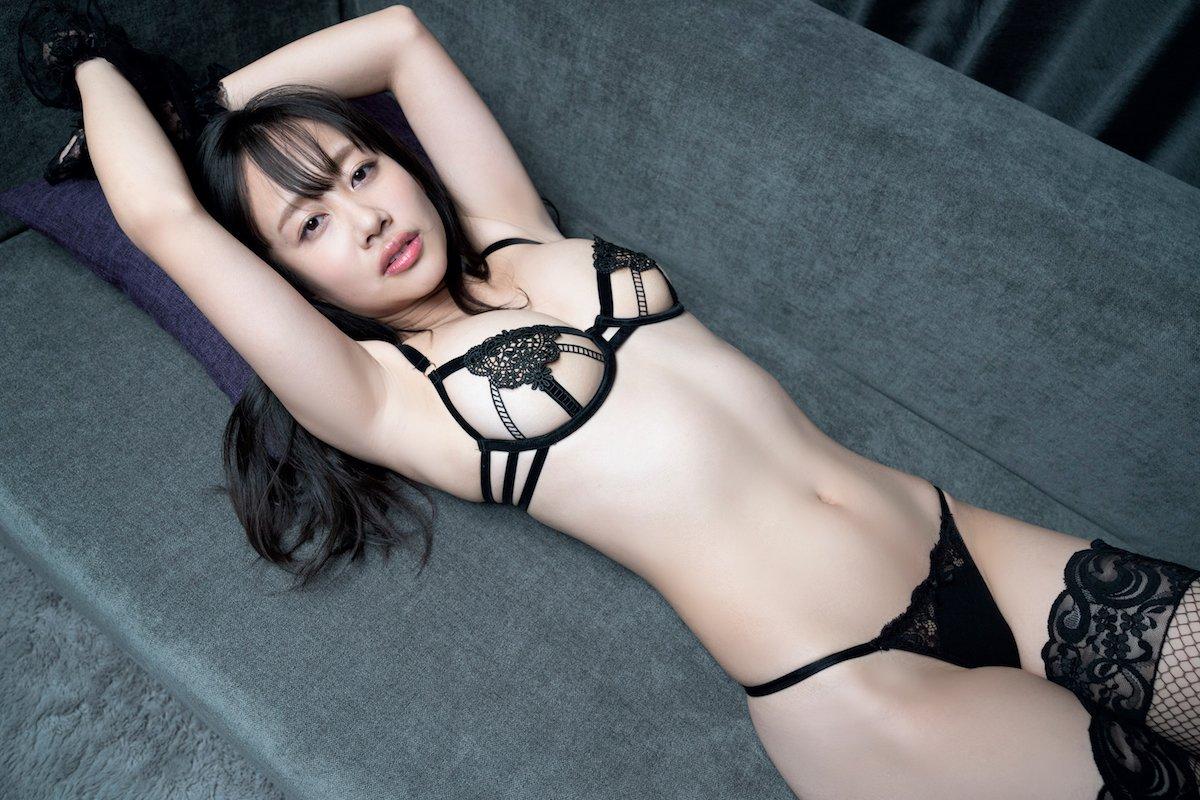 丹由美子「新進気鋭の女優が脱いじゃった!」むちむちボディに夢中!【画像12枚】の画像004