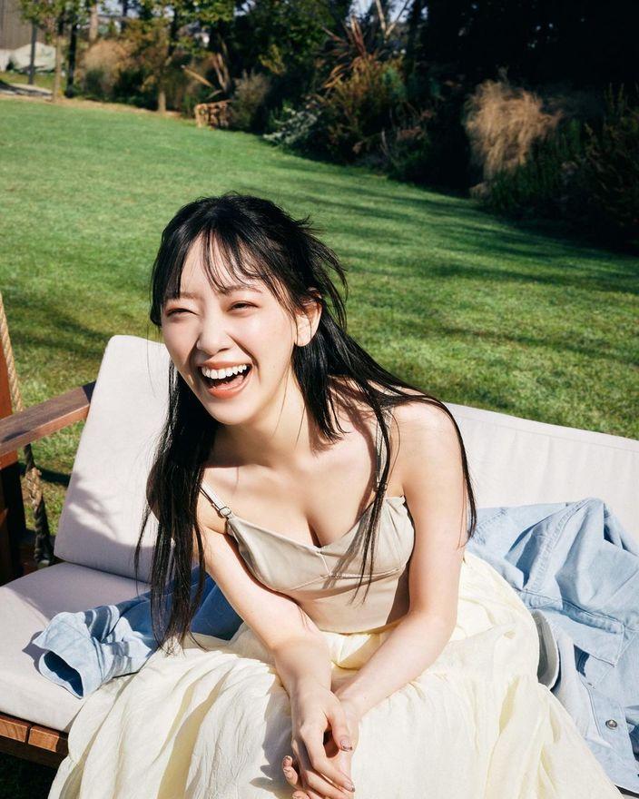 堀未央奈「輝く美谷間が嬉しい…」自身プロデュースの卒業記念フォトブックを発表の画像
