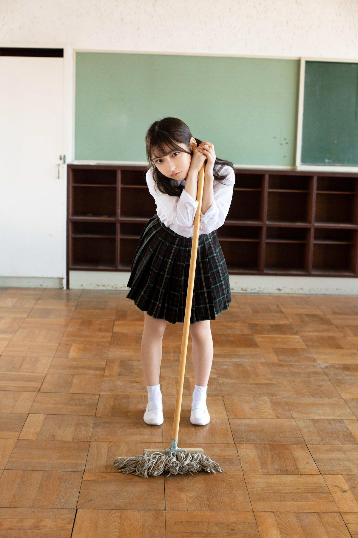十味が放課後の教室でビキニ姿に!『月刊エンタメ』グラビアのアザーカット公開【画像7枚】の画像007
