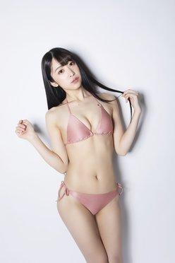真島なおみ「完璧すぎる美少女」魅惑のボディライン【画像3枚】の画像