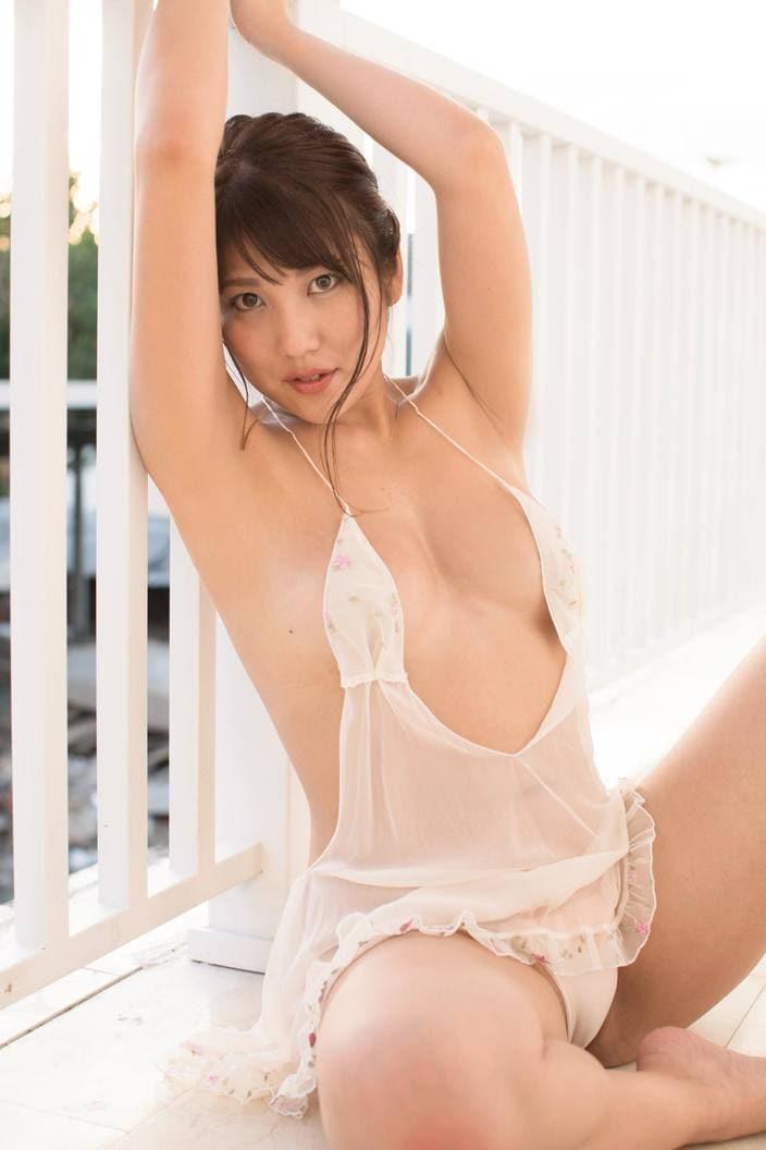神谷麻美「水着だらけのボウリング大会でも注目!」愛あるHカップがまぶしい秘書系グラドル【画像3枚】の画像