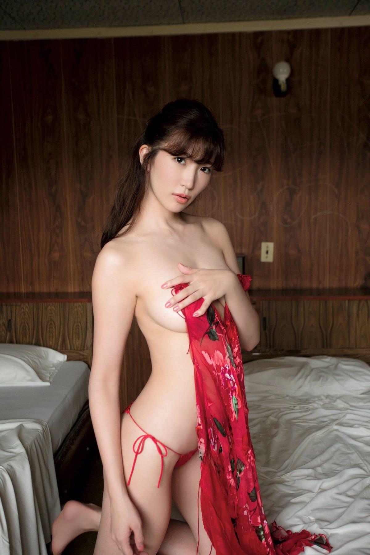 松嶋えいみ「きれいなお姉さん」洗練された神ボディ【写真12枚】の画像009