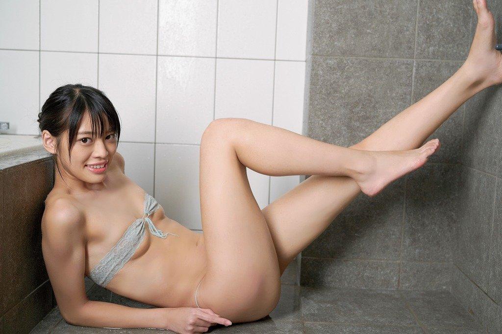 藤田いろはのグラビア水着ビキニ画像9