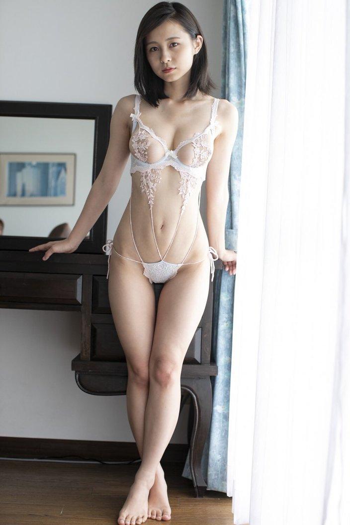 桜木美涼「露出度満点の危険なビキニ」童顔とのギャップがすごい!の画像