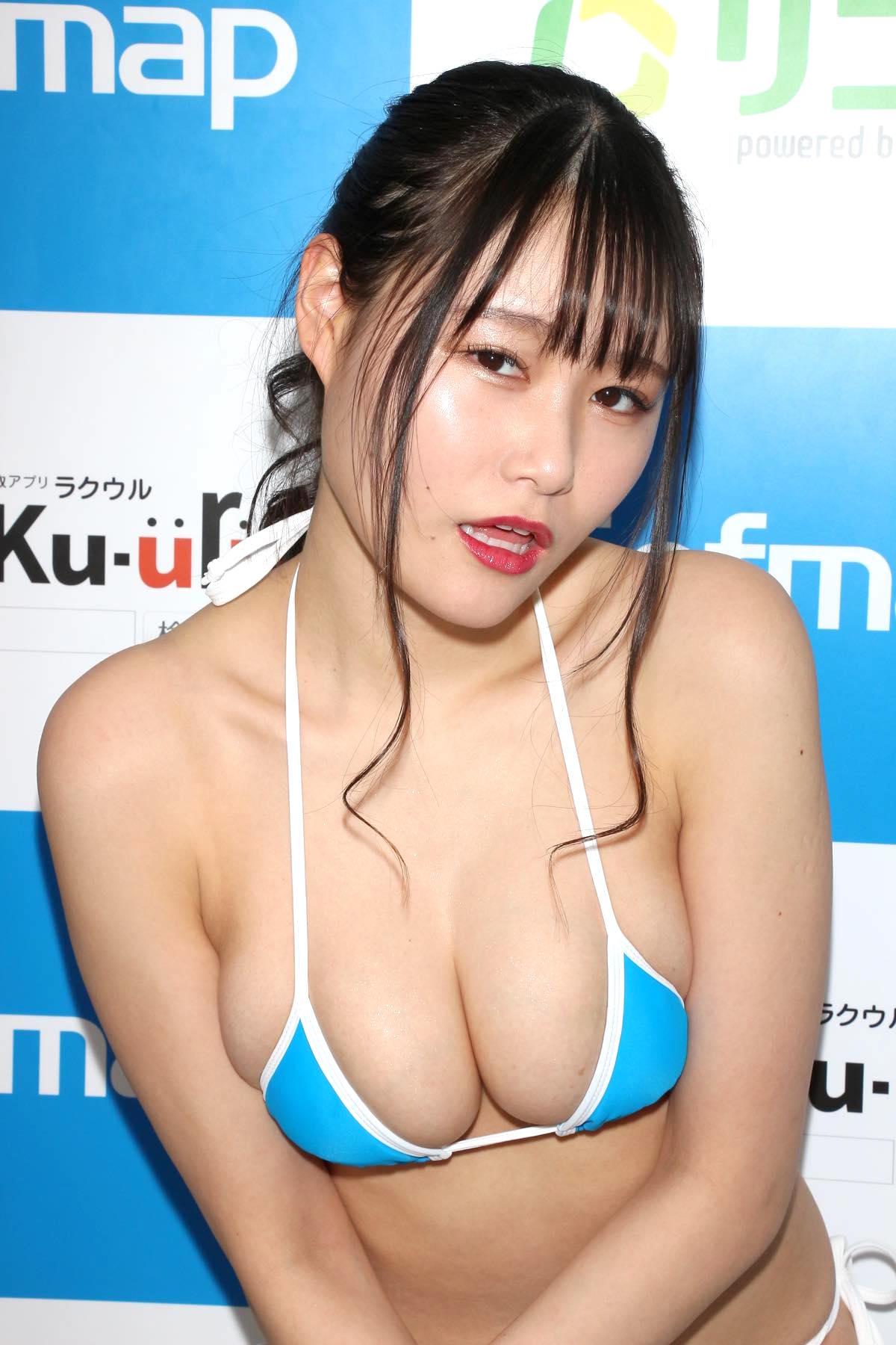 東坂みゆ「ロケット爆乳」がダンスで揺れて弾ける!【写真42枚】の画像024