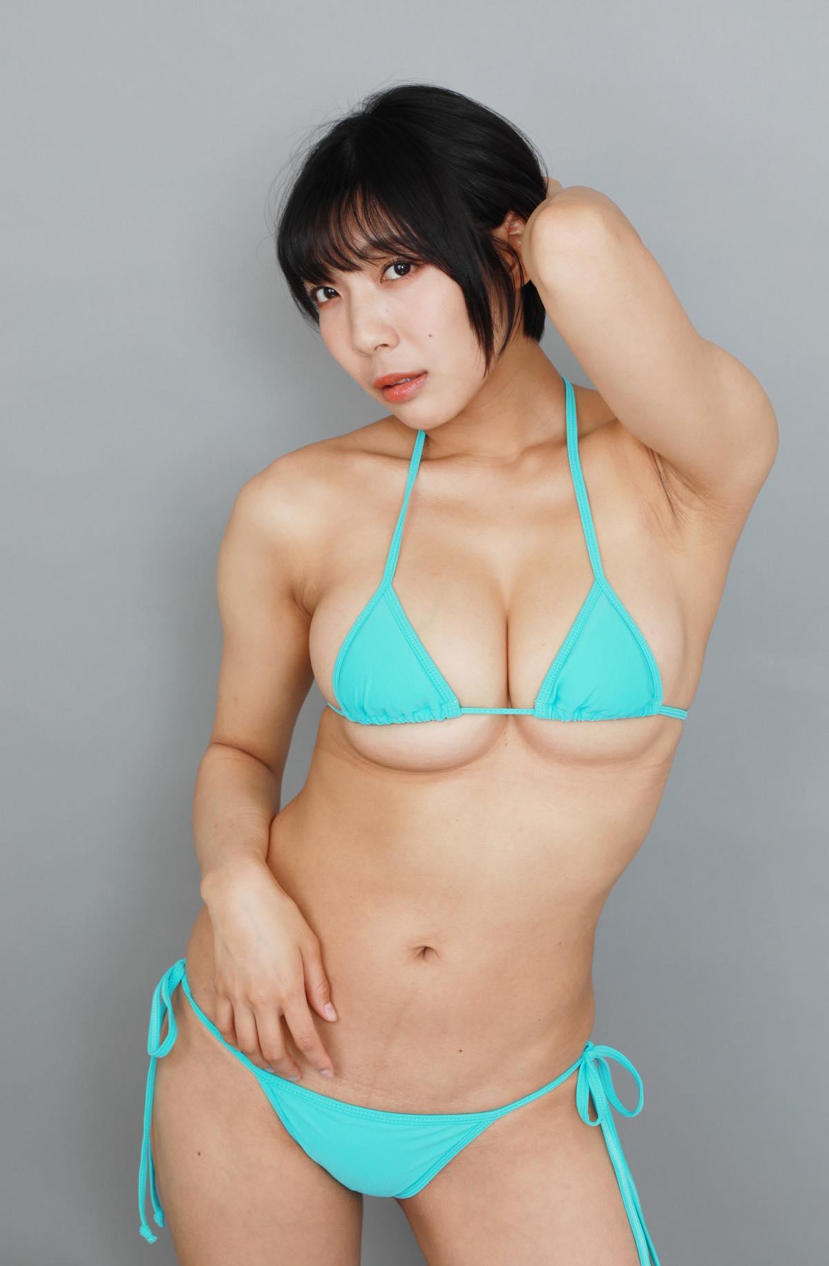 麻倉まりな「ライブでは乳を出していないのでグラビア感は出してないです」の画像035