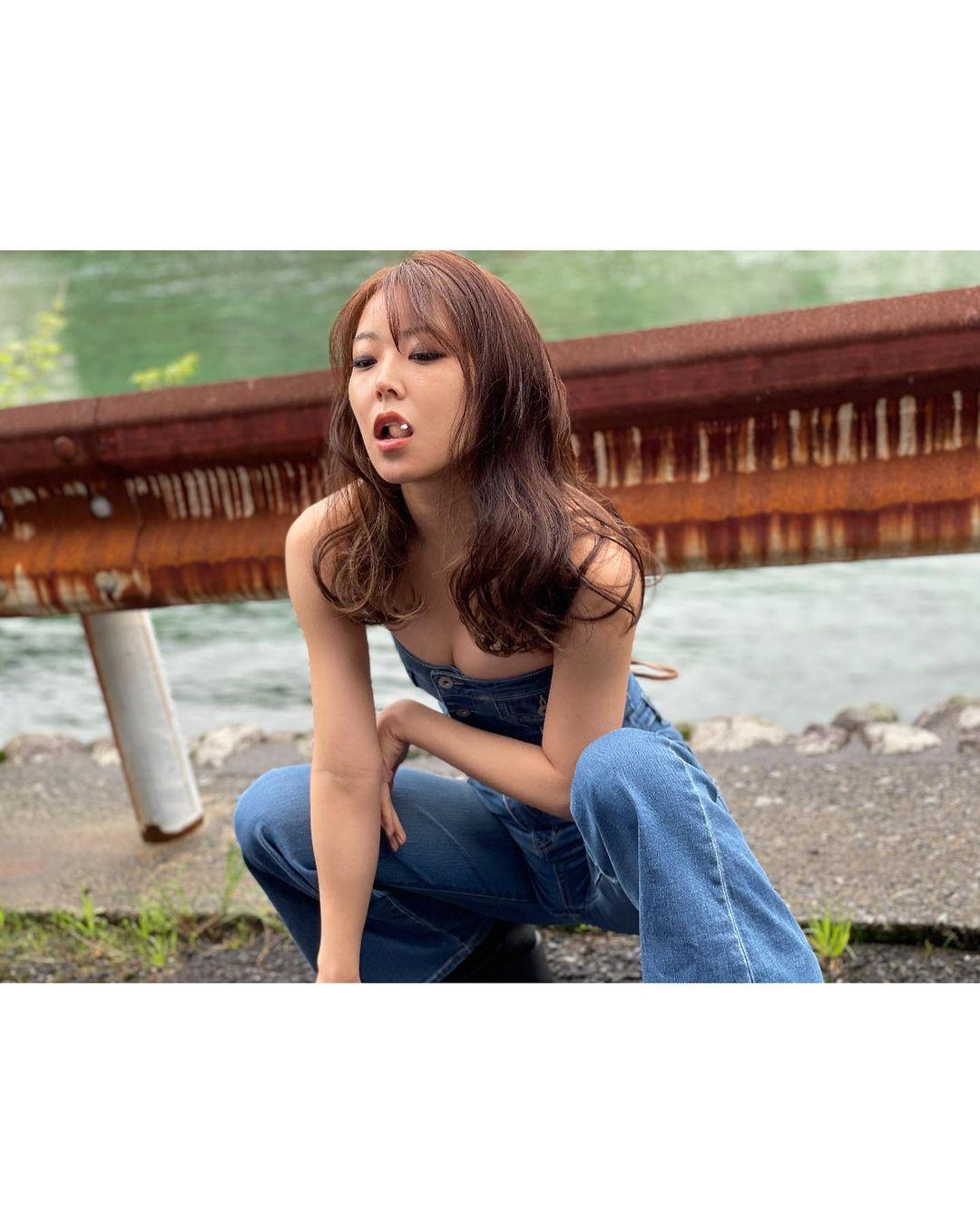 NMB48白間美瑠「色っぽくてかっこいい!」写真集『REBORN』オフショット公開にファン歓喜【画像8枚】の画像001